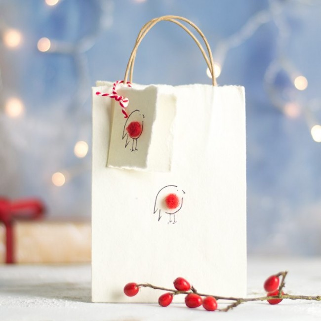 Fluffy Red Robin gift bag, small