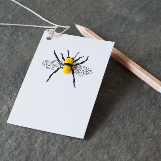 Gift Tags with a fluffy bee, pack of 6